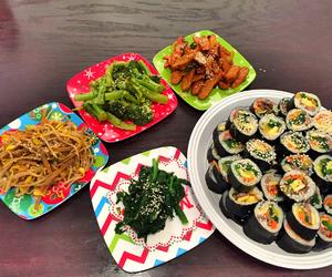 food, korean, and kimbab image