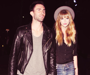 Taylor Swift, adam levine, and couple image
