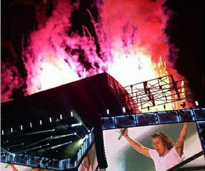 Harry Styles, one direction, and otra tour image
