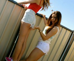 best friends, cute shorts, and hipster image