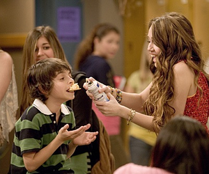 hannah montana, miley cyrus, and disney channel image