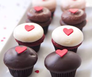 chocolate, cupcakes, and heart image