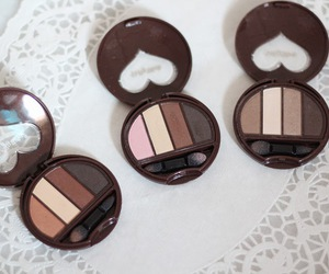 eyeshadow, makeup, and dolly wink image