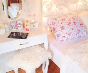 bedroom, girly, and organized image