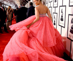 rihanna, grammys, and pink image
