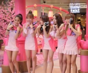 asian girls, pink, and corean girls image