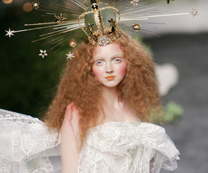 fashion, crown, and Lily Cole image
