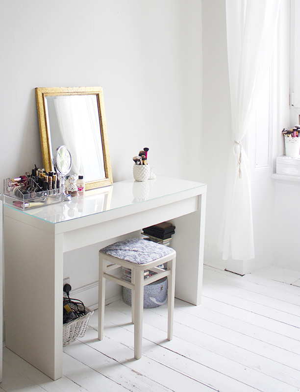 Dazzle Vanity Table Ikea Inspirations For Makeup