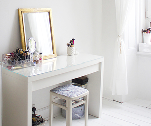 dressing table, makeup vanity table, and vanity table set image