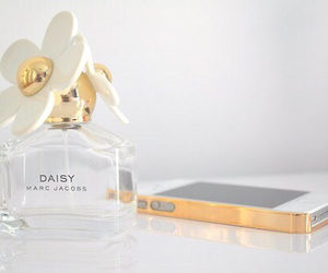 iphone, daisy, and marc jacobs image