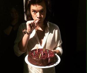 Harry Styles, one direction, and cake image