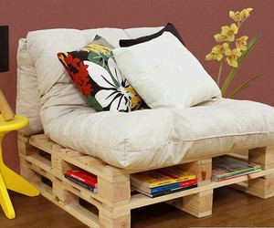 pallet and sofa image