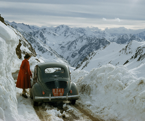 snow, car, and mountains image