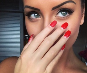 eyes and red image