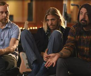 dave grohl, foo fighters, and taylor hawkins image