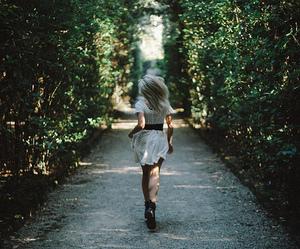 girl, run, and grunge image