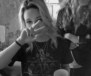 bea miller, bea, and beamiller image