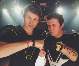 dner, youtuber, and lefloid image