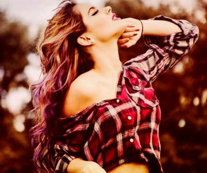 hair and violetta image