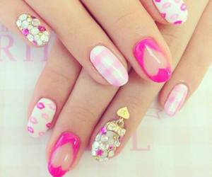 nails, beautiful, and heart image