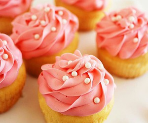 cupcakes, pink, and yummy image