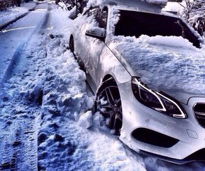car and snow image