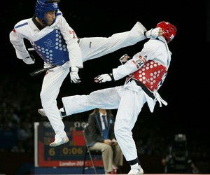 fight, maki, and korea image