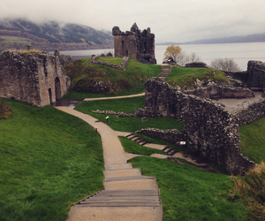 castle, home, and lochness image