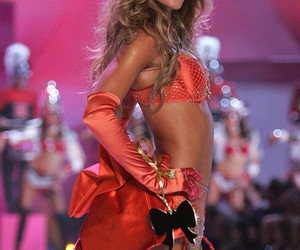 Gisele Bundchen, Victoria's Secret, and model image