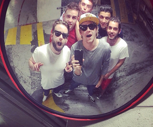 niall horan, one direction, and hon the sons image