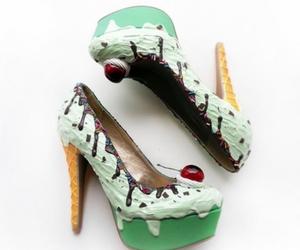 delicious and heels image