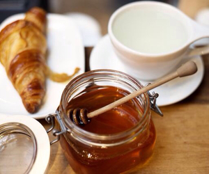 croissant and honey image