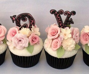 cupcakes, food, and valentines image