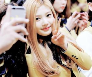 blond, joy, and red velvet image