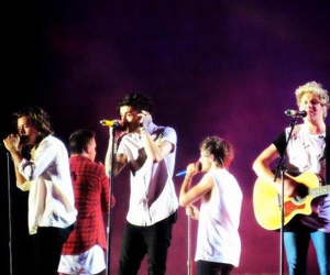 melbourne, one direction, and otra image