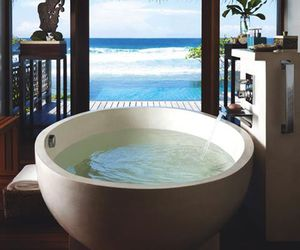 bath, beach, and luxury image