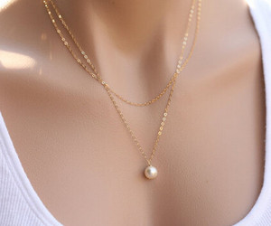 necklace, pearls, and naszyjnik image