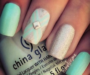 nail art and silver image