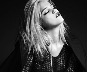 sky ferreira and black and white image