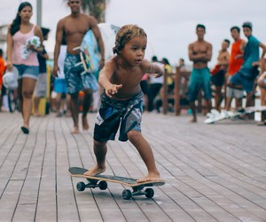 kid and skate image