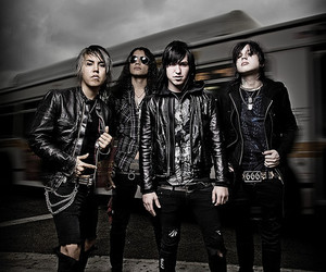 escape the fate, craig mabbitt, and max green image