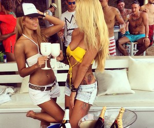 babe, blondes, and body image