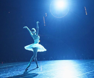 black swan, inspiration, and movie image