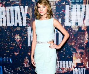 flawless, red carpet, and saturday night live image