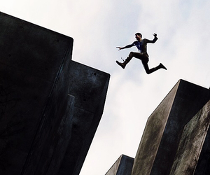 jump, run, and thomas image