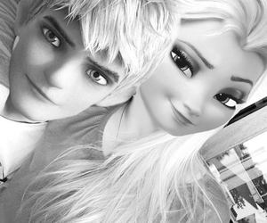 black and white, couple, and frozen image