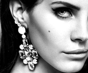 femme, beaute, and noir et blanc image
