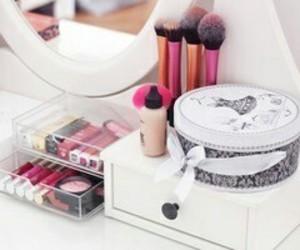 makeup, beauty, and lipstick image