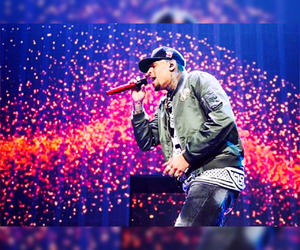 chrisbrown, teambreezy, and btstour image