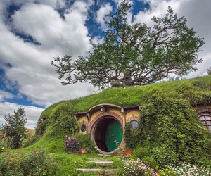 awesome, bilbo, and garden image